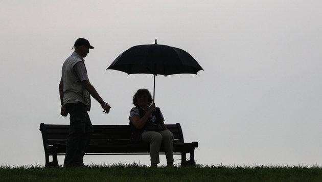 Weiter kühles und unbeständiges Wetter (Bild: APA/dpa/Axel Heimken)