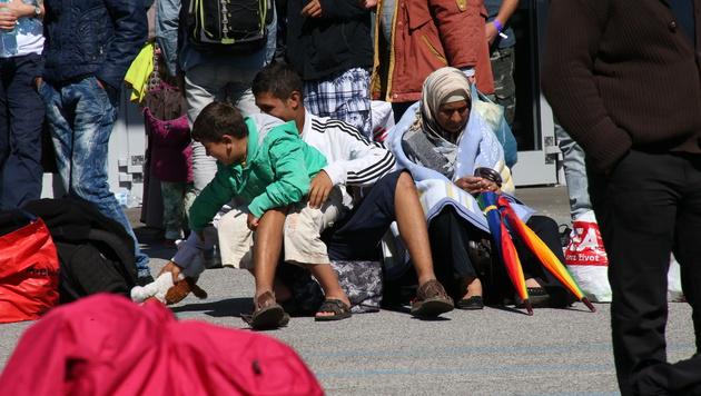 Flüchtlinge in der Messehalle Graz (Bild: Jürgen Radspieler)