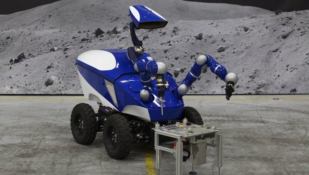 Däne steuert vom All aus Roboter auf der Erde