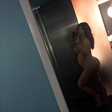 Selbst in der Schwangerschaft kann Kim Kardashian die Nackt-Postings nicht lassen... (Bild: Viennareport)