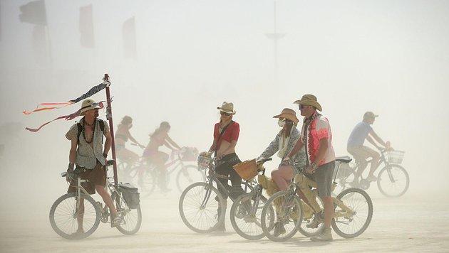 """Zehntausende """"Burner"""" pilgern alljährlich zu dem Festival in die Wüste von Nevada. (Bild: AP)"""