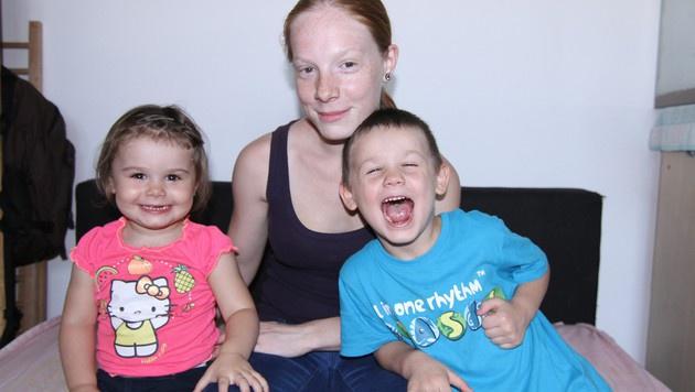 Elli mit ihren Kids Ricarda und Luca (Bild: ATV)