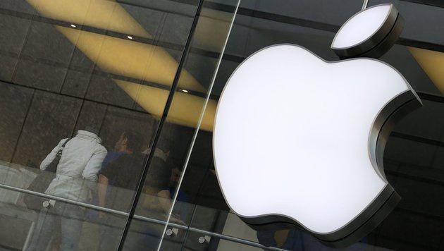 Apple buhlt mit neuem Partner um Firmenkunden (Bild: APA/dpa)