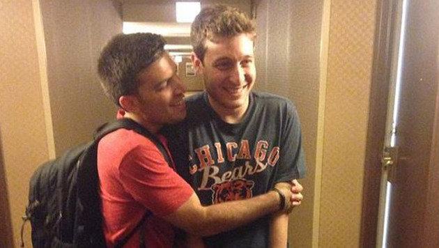 Endlich: Bräutigam Jake trifft mit zwei Tagen Verspätung ein. (Bild: Instagram)