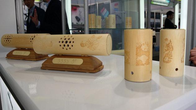 Tradition trifft Moderne: Chinesische Hersteller bauen Elektronik aus Bambus - hier Bluetooth-Boxen. (Bild: Dominik Erlinger)