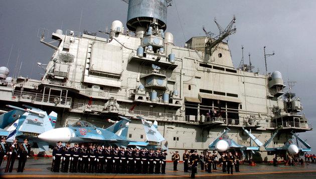 Ein russischer Flugzeugträger in Tartus (Bild: SANA/EPA/picturedesk.com)