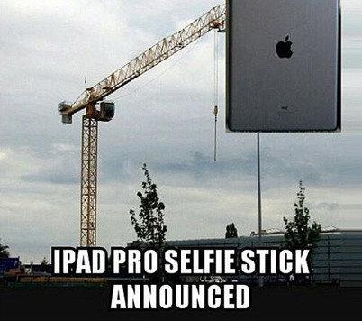 Kommt demnächst: Der Selfie Stick. (Bild: Twitter)