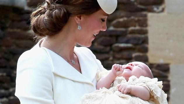 Herzogin Kate vertraute bei der Geburt von Charlotte auf die Entspannungsübungen von Hypnobirthing. (Bild: APA/EPA/CHRIS JACKSON)