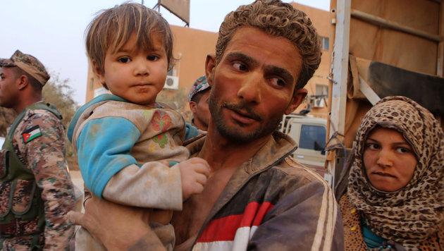 Syrische Flüchtlinge in einem Lager in Jordanien, einem Nachbarstaat Saudi-Arabiens (Bild: AP)