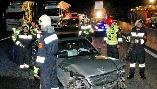 Vier Familienmitglieder stiegen aus dem Unfallfahrzeug aus und wurden von einem Auto erfasst. (Bild: Franz Crepaz)