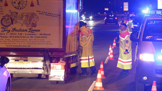 So lief die erste Nacht mit Grenzkontrollen (Bild: APA/FRANZ NEUMAYR)