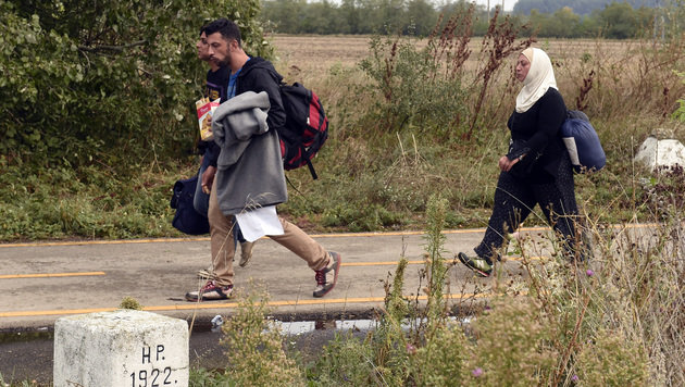 Flüchtlingsstrom: Lage an Grenze im Osten ruhiger (Bild: APA/HERBERT P. OCZERET)