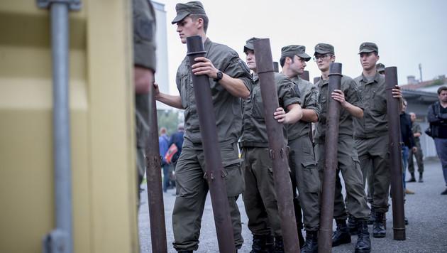 Flüchtlingsstrom: Lage an Grenze im Osten ruhiger (Bild: APA/ERWIN SCHERIAU)