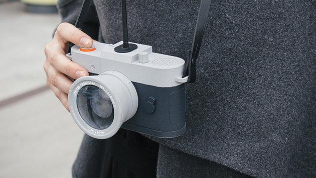 Diese Kamera knipst nur Fotos, wenn es ihr beliebt (Bild: philippschmitt.com/projects/camera-restricta)