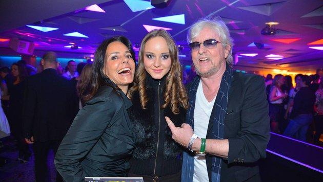 Laura Bilgeri mit ihren Eltern Reinhold und Beatrice (Bild: Viennareport)