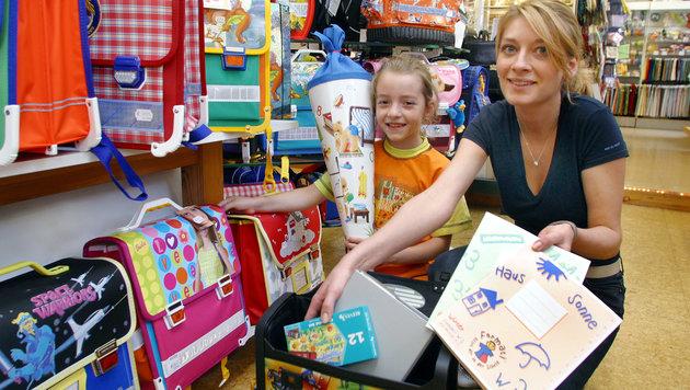 Die Auswahl an Schulsachen ist groß, viele Familien müssen aber sehr aufs Geld schauen. (Bild: Peter Tomschi)