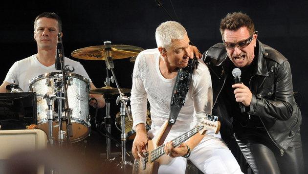 Angeblich bewaffneter Mann: U2-Konzert abgesagt (Bild: EPA/Tonina Di Marco)