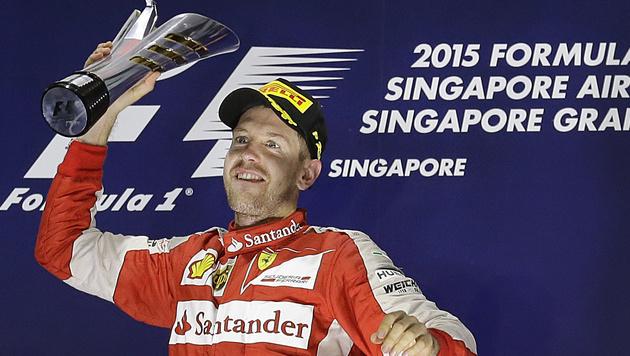 Sebastian Vettel feierte bis in die Morgenstunden (Bild: AP)