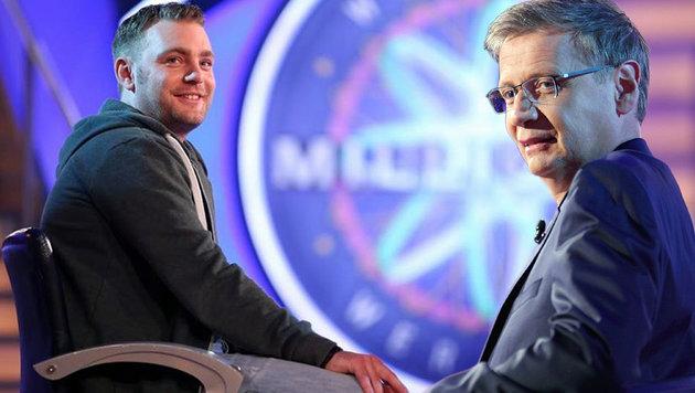 Weil sich Günther Jauch verplapperte, gewann Kandidat Hendrik Brand 16.000 Euro. (Bild: RTL/Stefan Gregorowius, RTL/Frank Hempel)