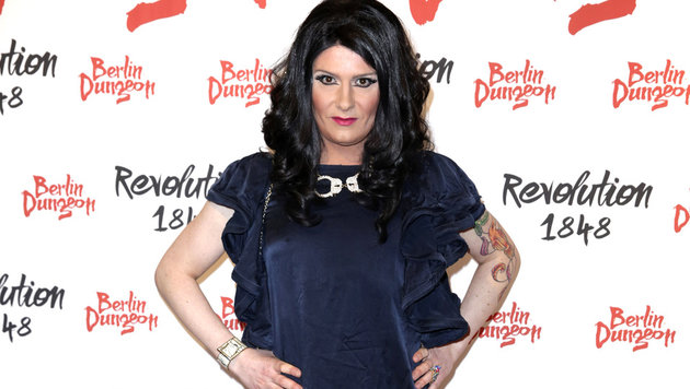 Nina Queer will Naddel helfen. (Bild: Viennareport)