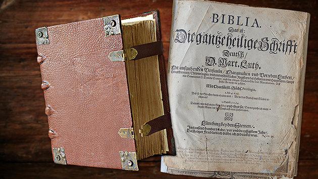 Ausgerechnet Bibel-Apps stehlen unsere Daten (Bild: Polizeidirektion Lübeck, thinkstockphotos.de)