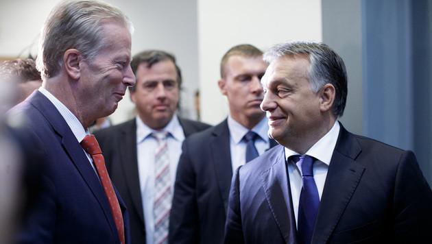 Orban versprach Mitterlehner eine bessere Kooperation zwischen Österreich und Ungarn. (Bild: APA/GEORG HOCHMUTH)