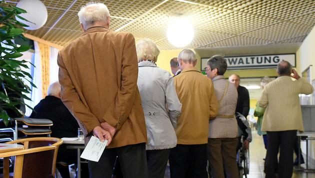 Wahltag in Oberösterreich (Bild: APA/Helmut Fohringer)