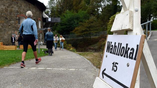 Wahltag in OÖ (Bild: APA/Herbert Neubauer)