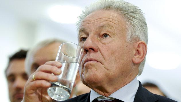 Wenig Begeisterung bei Landeshauptmann Josef Pühringer und dem ÖVP-Team (Bild: APA/HERBERT NEUBAUER)
