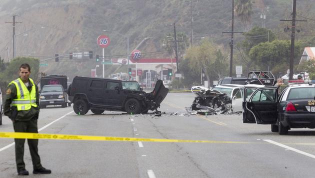In diesen tragischen Autounfall war Caitlyn Jenner verwickelt. Eine Frau starb. (Bild: AP)