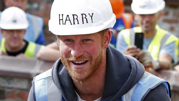 Prinz Harry trägt seit Kurzem dichten Vollbart: Ob das den Ladys gefällt? (Bild: AFP)