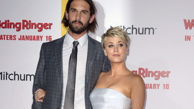 Ryan Sweeting und Kaley Cuoco (Bild: APA/EPA/PAUL BUCK)