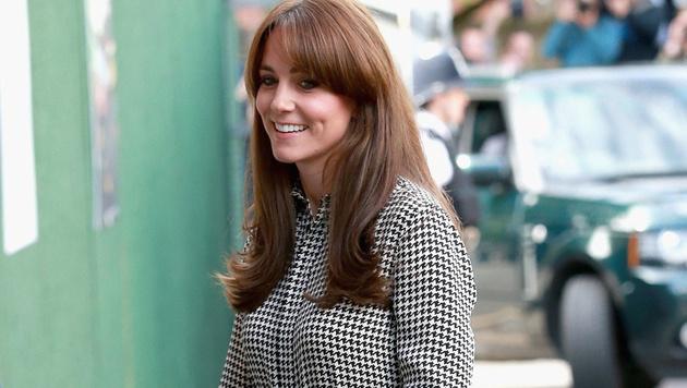 Mit ihrer neuen Frisur ist Kate alles andere als zufrieden. (Bild: APA/EPA/CHRIS JACKSON)