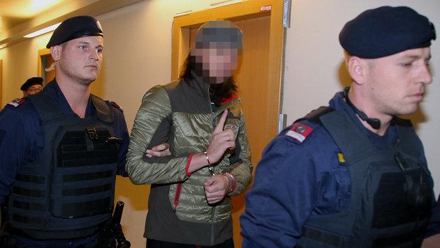 Verurteiltes IS-Mitglied macht in Haft Probleme (Bild: Kristian Bissuti)