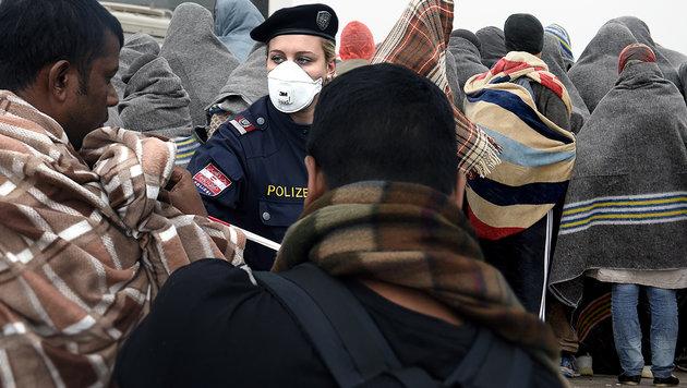Wien: Fälle von Ruhr in Flüchtlingsheimen (Bild: APA/HERBERT P. OCZERET, APA/ROLAND SCHLAGER)