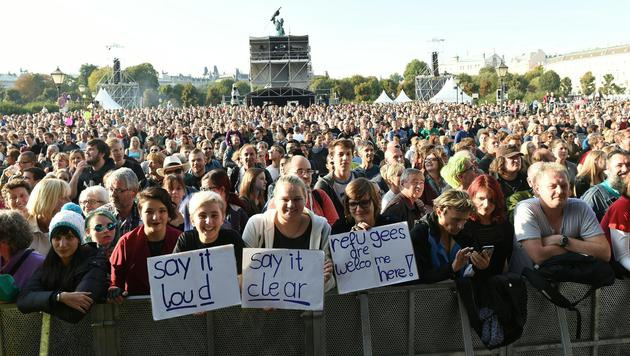 "100.000 bei ""Voices for Refugees"" in Wien (Bild: APA/HERBERT P. OCZERET)"