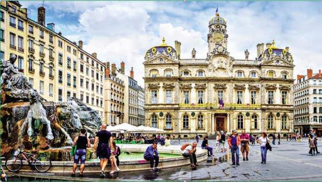 Der wunderschöne Place des Terreaux in Lyon. (Bild: Fotolia)