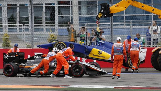 Crash-GP in Sotschi macht Mercedes zum Weltmeister (Bild: APA/EPA/YURI KOCHETKOV)