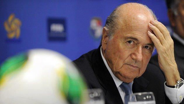 Marathon-Sitzung: Blatter-Verhandlung vertagt (Bild: APA/AFP/RODRIGO ARANGUA)