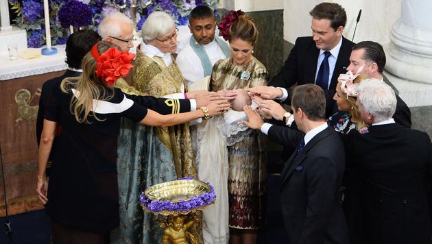 Die Taufzeremonie von Prinz Nicolas (Bild: AP)