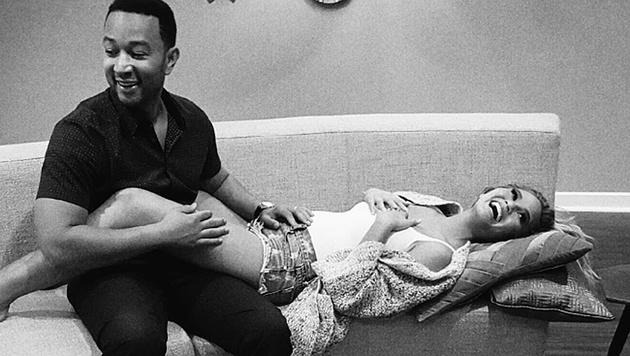John Legend und Chrissy Teigen erwarten zum ersten Mal Nachwuchs. (Bild: instagram.com/chrissyteigen)