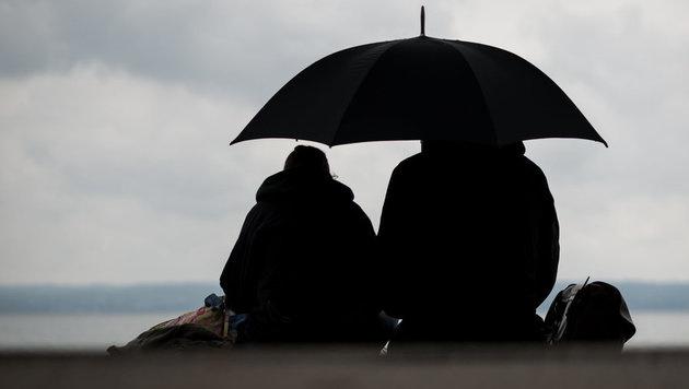 Prognose: Sommerwetter weiterhin auf Sparflamme (Bild: APA/dpa/Matthias Balk)