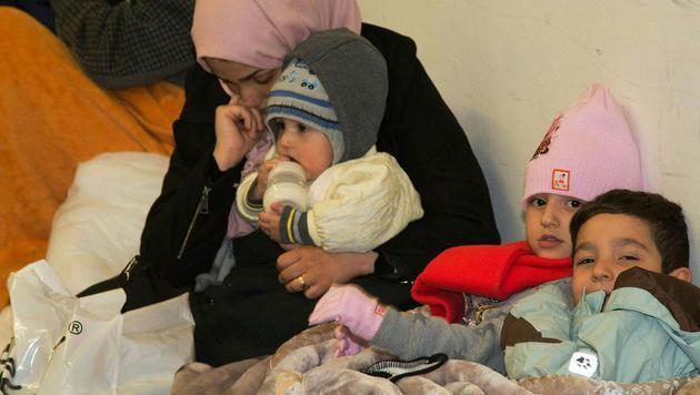 Unter den Tausenden Flüchtlingen sind auch viele unbegleitete Kinder und Jugendliche. (Symbolbild). (Bild: APA/MIKE VOGL/NEUMAYR MMV)