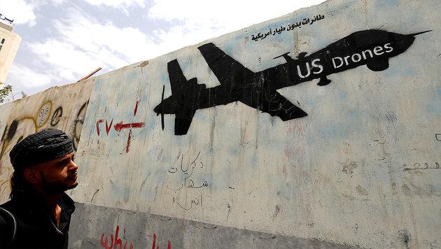 Geheimpapiere geben Einblick in US-Drohnenkrieg (Bild: APA/EPA/YAHYA ARHAB)