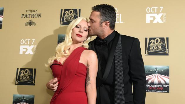 Lady Gaga und ihr Ex-Verlobter Taylor Kinney (Bild: Chris Pizzello/Invision/AP)