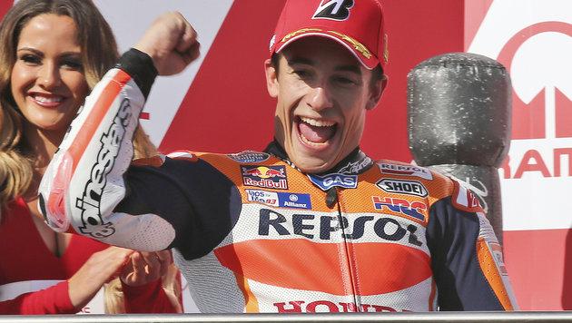 Marquez schnappt Lorenzo Sieg in letzter Runde weg (Bild: AP)