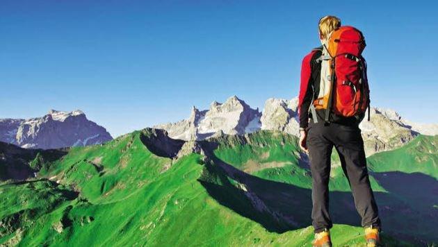 Über 1400 Kilometer markierte Wanderwege führen von Hütte zu Hütte zu den Gipfeln des Montafon. (Bild: Fotolia)