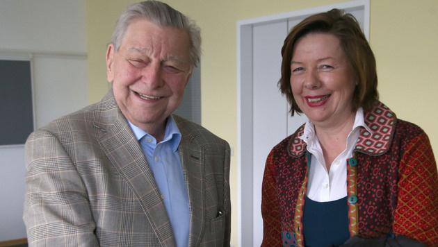 """Hugo Portisch mit """"Krone""""-Interviewerin Conny Bischofberger (Bild: KRISTIAN BISSUTI)"""