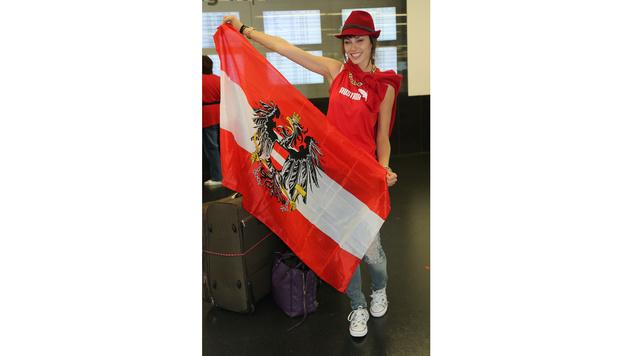 """Ena Kadic bei ihrem Abflug zur """"Miss World""""-Wahl 2013 (Bild: Kristian Bissuti)"""
