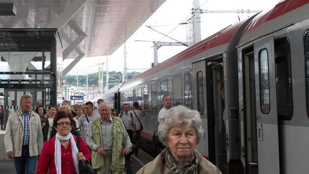 ÖBB: Mehr Züge zwischen Salzburg und Freilassing (Bild: APA/NEUMAYR/PROBST)